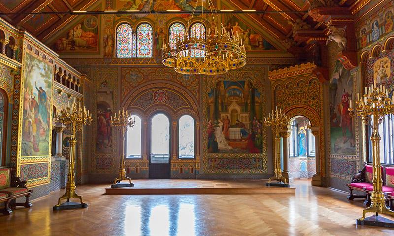 Замок Нойшванштайн, росписи, фото