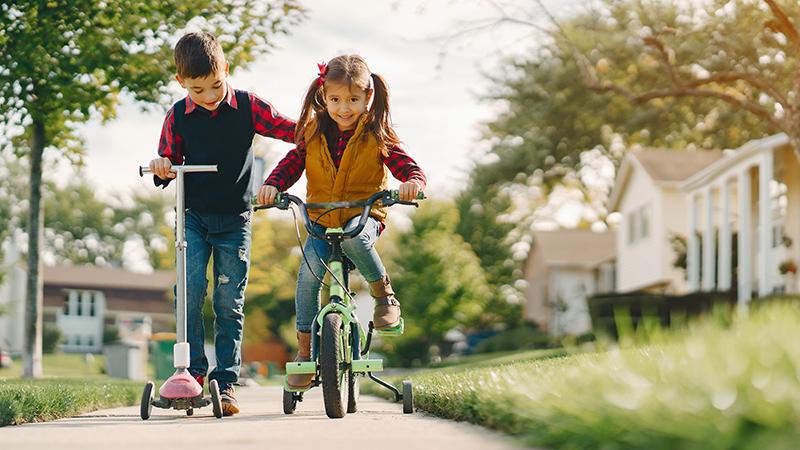 Дети на велосипеде, фото