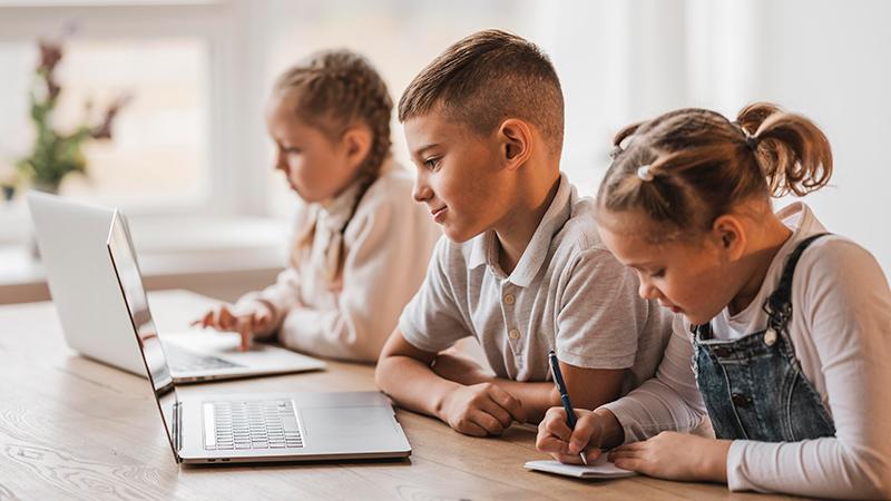 Дети учатся, фото