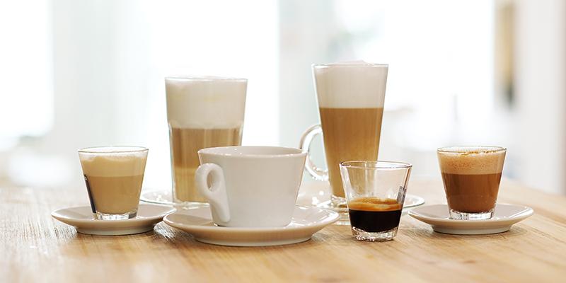 Кофе в разных стаканах, фото
