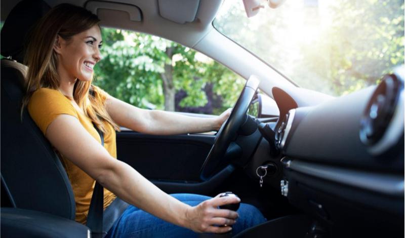 Женщина за рулем, фото